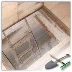 Как построить погреб-холодильник возле дачного домика?